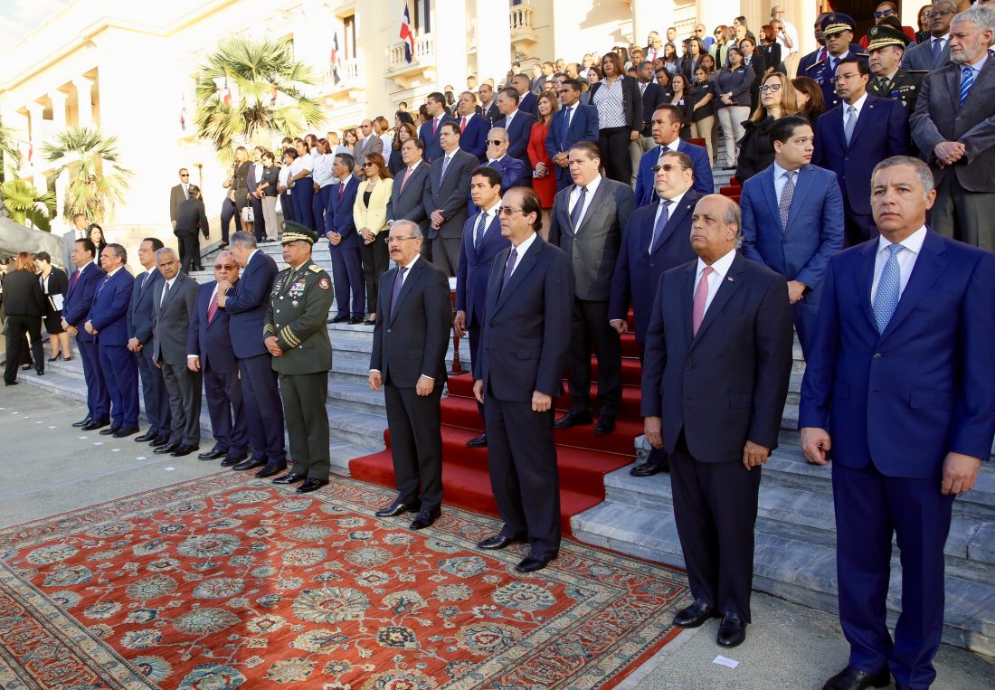 3c50debe1228a Presidente Danilo Medina rinde homenaje a Bandera Nacional